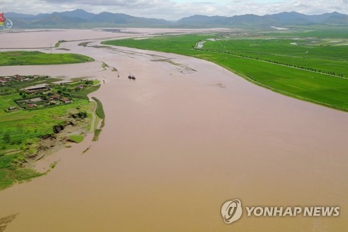 """북한도 강해지는 장마전선 영향…""""내일까지 폭우 동반 많은 비"""""""