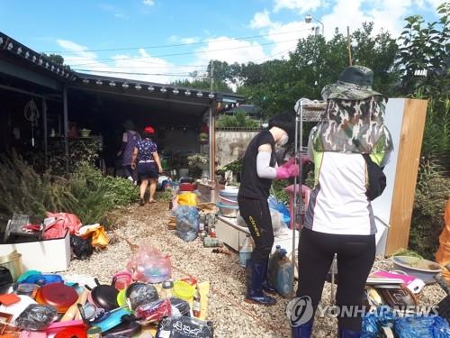 섬진강 범람 고립된 마을에서 23명 구한 이장 있었다