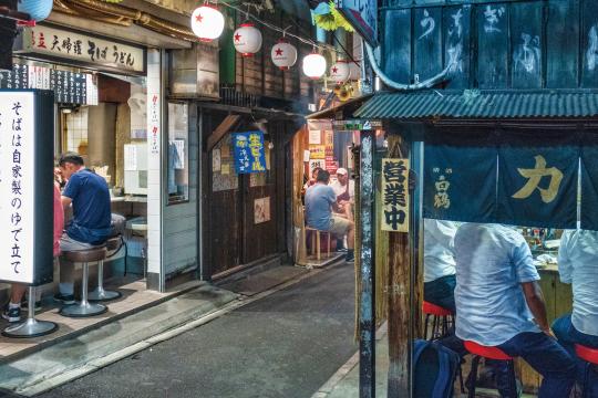 일본 서민 문화 상징 '이자카야'가 사라진다 [글로벌 현장]