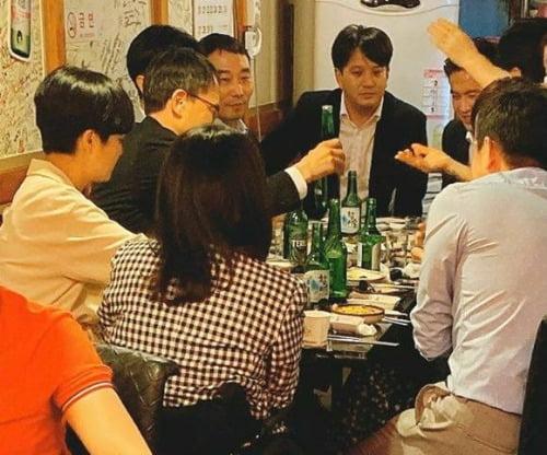 박주민, 김용민 등 민주당 의원들과 류호정 정의당 의원이 서울의 한 식당에서 모임을 가졌다. 독자 제공