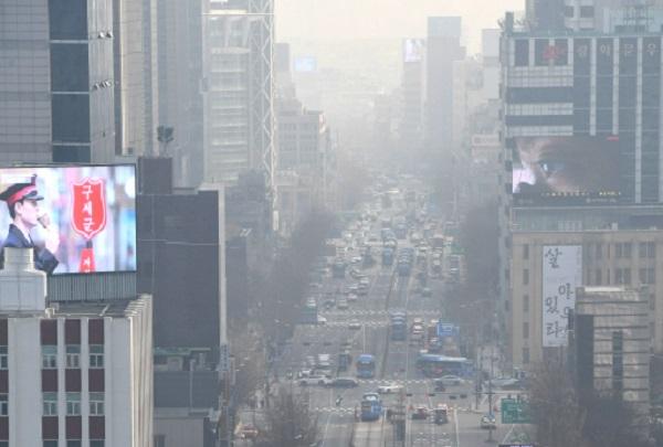 서울시, 미세먼지 불법배출 시민참여감시단 50명 모집…내년 6월까지 활동