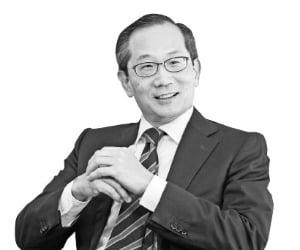 돌아온 칼라일, 국내 금융에 잇단 대규모 투자 그 뒤엔 한국계 이규성 CEO가…