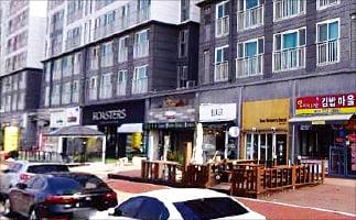 천안 불당동 카페거리 앞 1층 상가...3.3㎡당 598만원에 매각