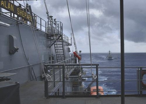 미국 군함 또 대만해협 통과…중국은 정찰기 보내