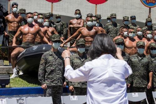 """""""11월 3일 중국이 대만 침공""""…섬뜩한 경고"""