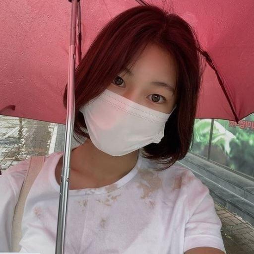 박연수 딸 송지아, 단발머리 변신…`리틀 수지` 미모 눈길
