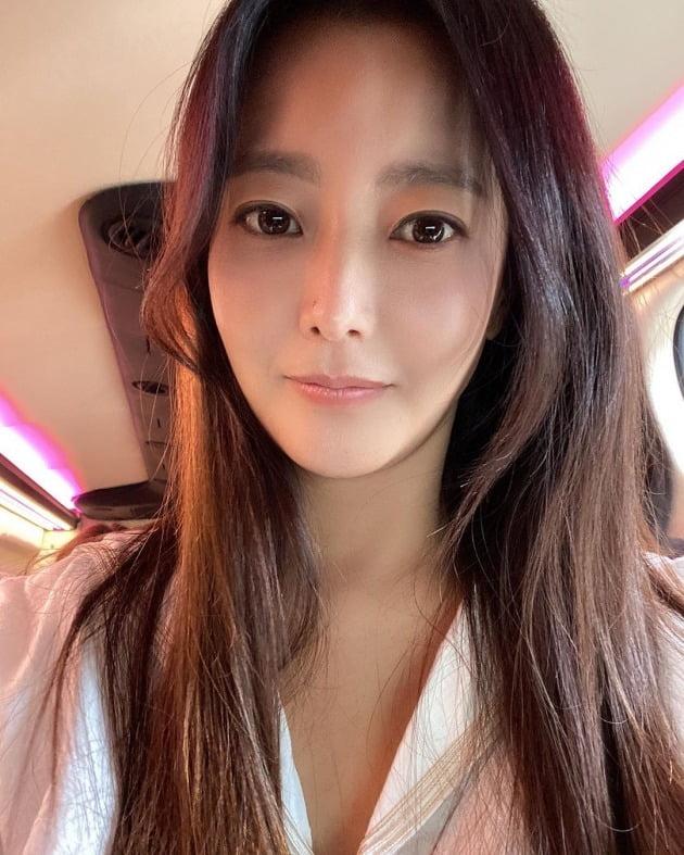 배우 김희선 / 사진=김희선 인스타그램