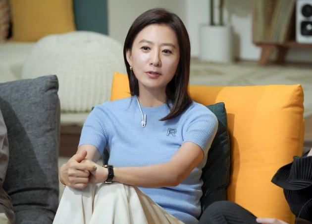 '방구석 1열'에 출연한 배우 김희애/ 사진=JTBC 제공