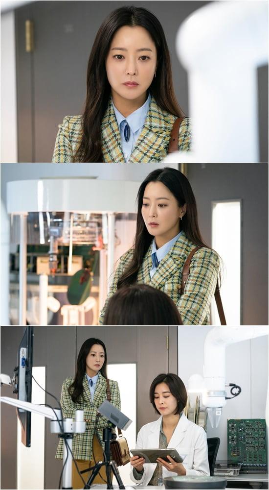 '앨리스' 김희선 스틸컷/ 사진=SBS 제공