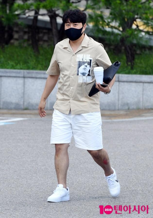 [TEN 포토] 김호중 '군대 일주일 남겨두고 바쁘다 바뻐'