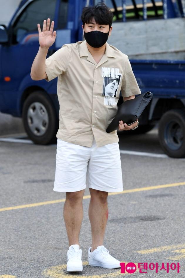 [TEN 포토] 김호중 '오늘도 열일하는 비주얼'