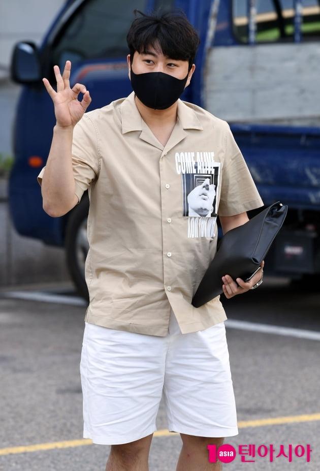 [TEN 포토] 김호중 '오늘도 많이 좋아해줘 OK?'
