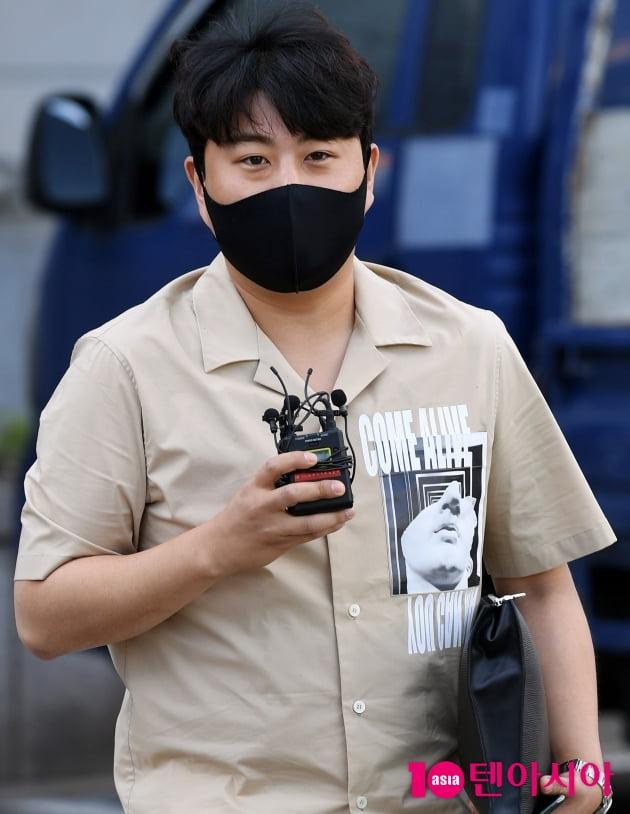 [TEN 포토] 김호중 '네버엔딩 스토리 촬영왔어요'
