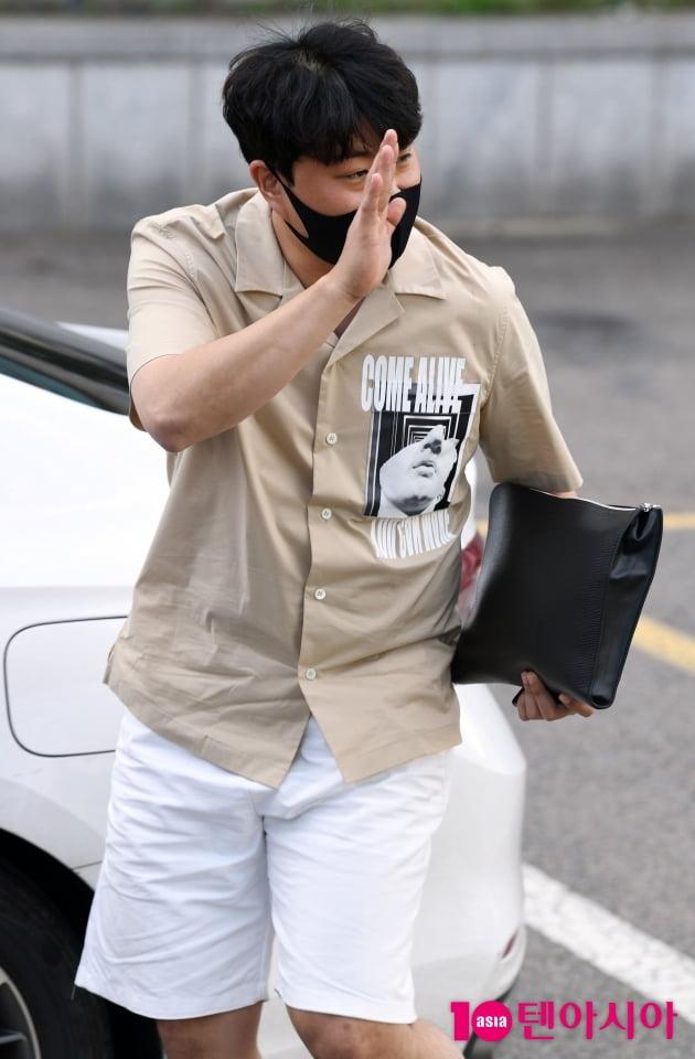 [TEN 포토] 김호중 '갈께요~'