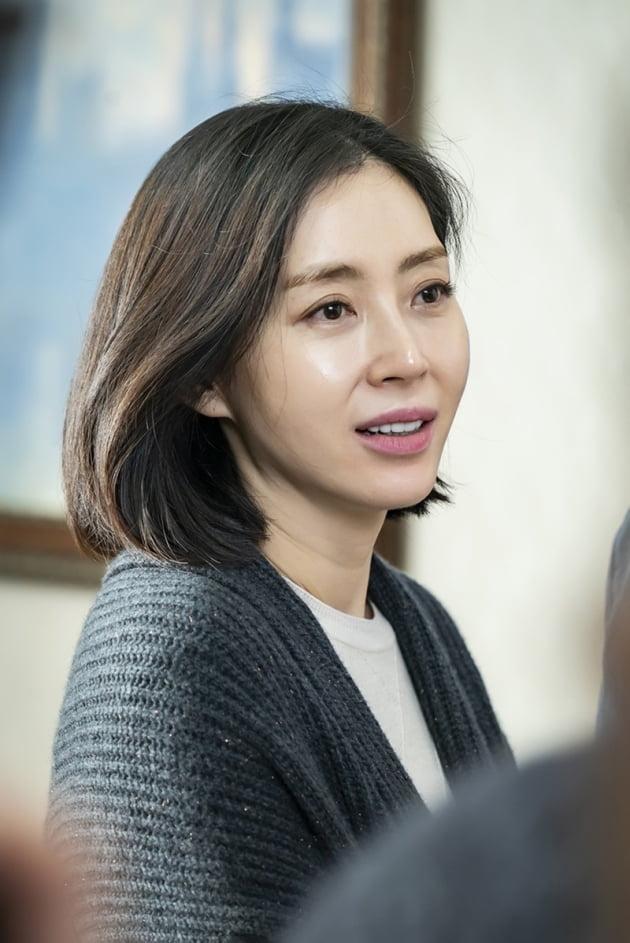 송윤아 / 사진 = 스튜디오앤뉴·제이씨앤 제공