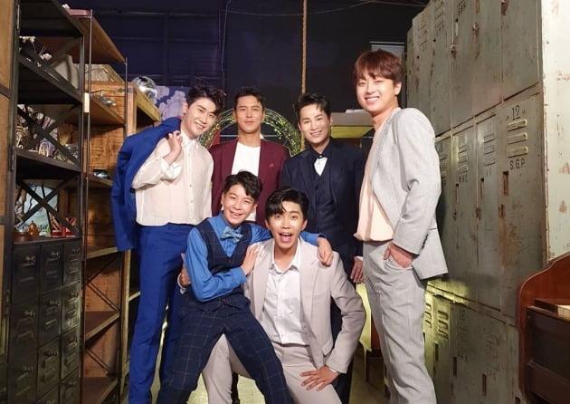 '미스터트롯' TOP6 / 사진=정동원 인스타그램