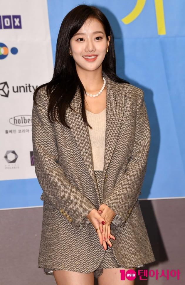 [TEN 포토] 에이프릴 이나은 '아름다운 미소'(BIAF2020 홍보대사)