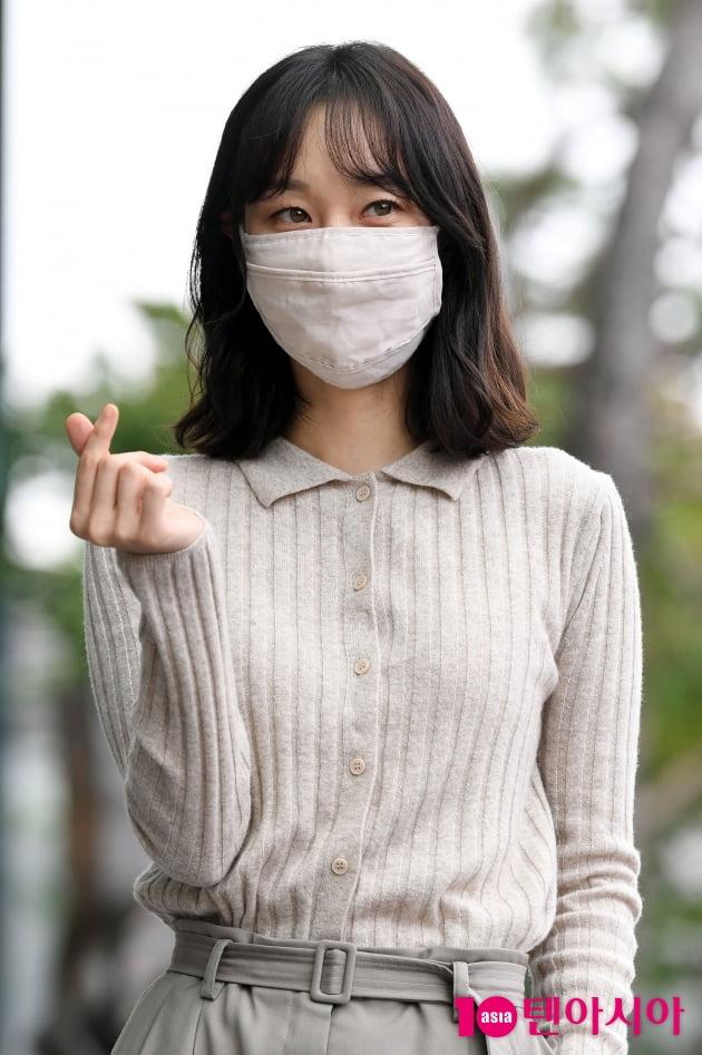 [TEN 포토] 이유영 '치명적인 하트'