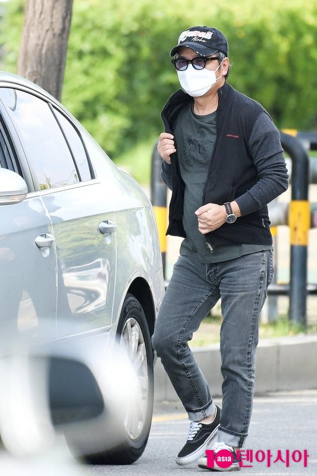 [TEN 포토] '비투비 임현식 아빠' 임지훈, '멋짐도 부전자전'
