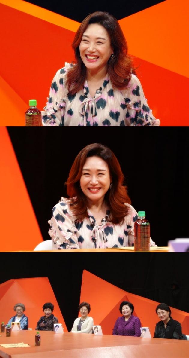 '미운 우리 새끼' 스페셜 MC로 출연한 가수 주현미/ 사진=SBS 제공