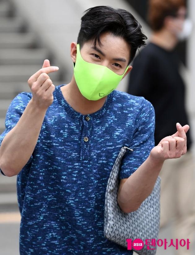 [TEN 포토] 나태주 '치명적인 하트'