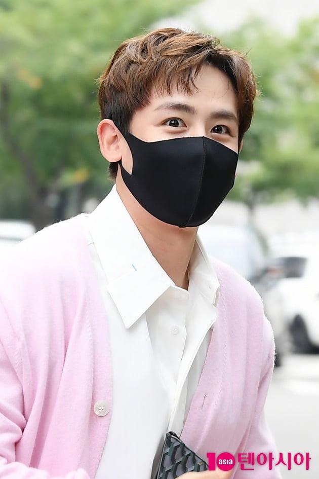 [TEN 포토] 닉쿤 '꽃사슴 눈망울'