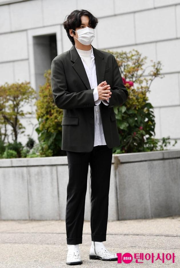 [TEN 포토] 이장우 '많은 취재진에 당황'(오 삼광빌라)