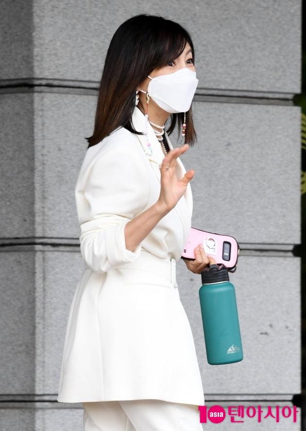 [TEN 포토] 황신혜 '나 퇴근해요~ '