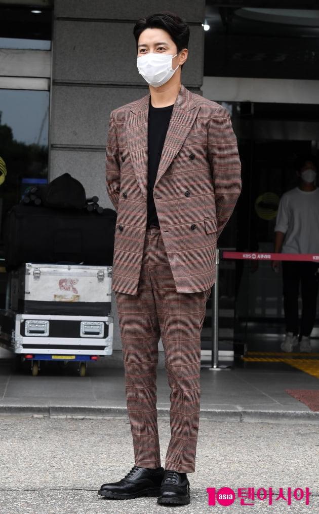 [TEN 포토] 인교진 '멋스러운 더블정장'