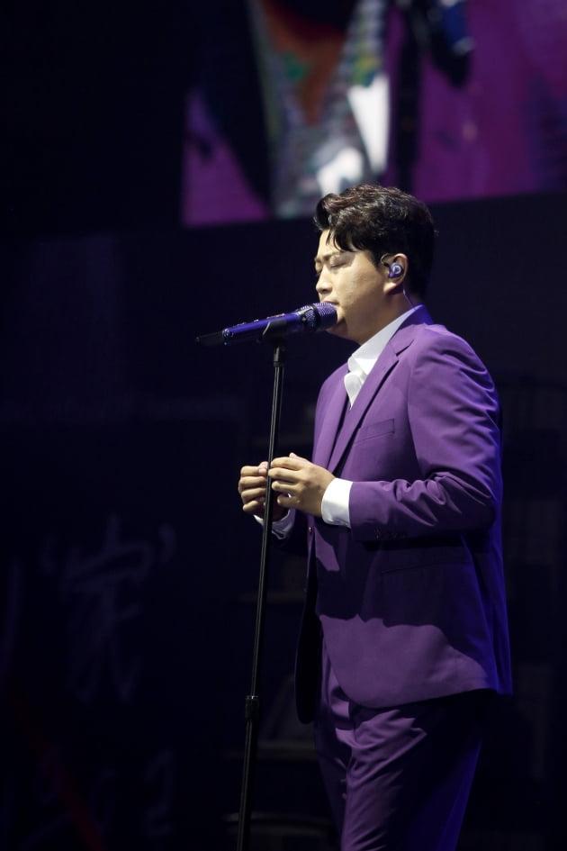 '그대, 고맙소: 김호중 생애 첫 팬미팅 무비' 한장면./