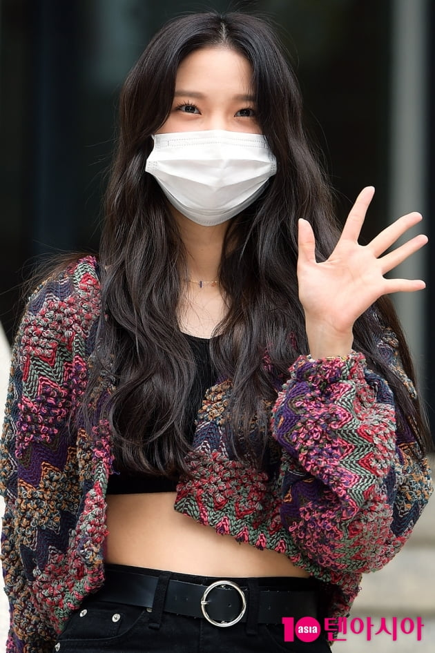 [TEN 포토] CLC 최유진 '반짝이는 출근길'