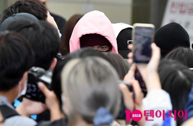 엔하이픈, 데뷔 전부터 난리인 공항…지나친 팬심으로 몸살