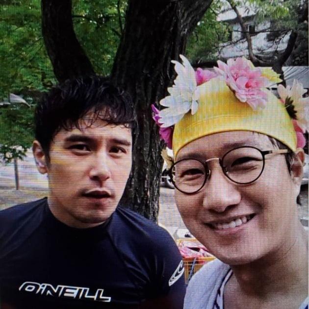 조우종이 장민호와 10년 전 찍은 사진을 공개했다. / 사진=조우종 인스타그램