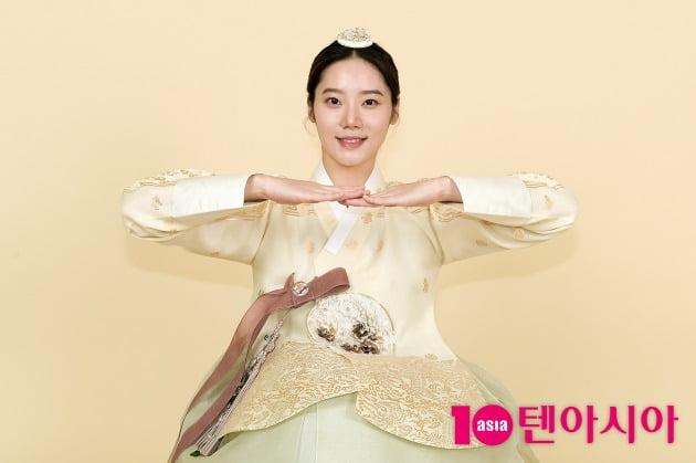 추석을 맞아 따뜻한 인사를 건네고 있는 배우 김미수. /서예진 기자 yejin@