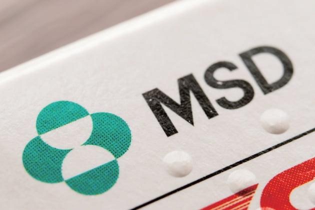 MSD가 면역항암제 키트루다의 미국 등록 특허권을 갖고 있다 하더라도 키트루다 항체를 암 치료 목적으로 생산한다면 다른 특허권을 침해하는 결과가 된다. MSD는 이 때문에 오노제약 등과 라이선싱 계약을 체결해야 했다. / shutterstock