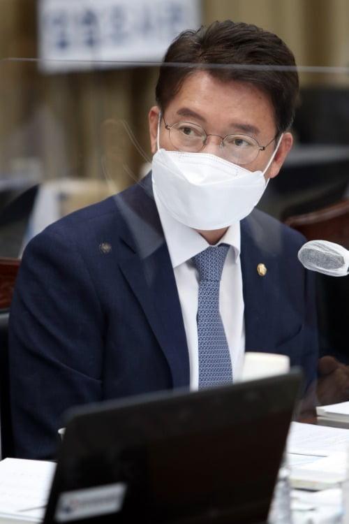 김수흥 더불어민주당 의원. 연합뉴스