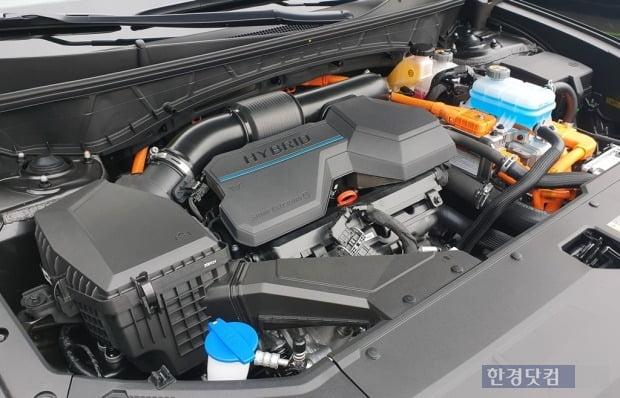 이번에 시승한 투싼은 1.6 가솔린 터보 하이브리드 모델이었다. 사진=오세성 한경닷컴 기자