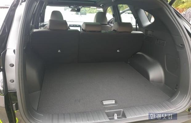 디 올 뉴 투싼의 트렁크 용량은 622L에 달한다. 사진=오세성 한경닷컴 기자