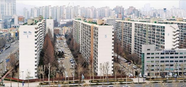 서울 대치동 한 아파트 단지. 사진=허문찬기자  sweat@hankyung.com