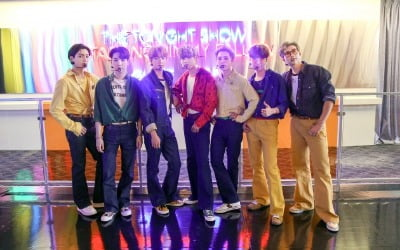 """BTS에 완패한 중국…이길 수 없는 거인과 싸움"""