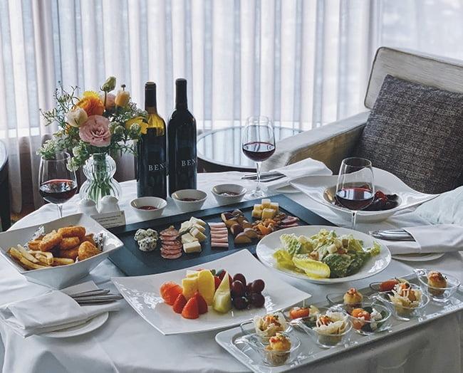 [호텔소식] 특급호텔 할로윈 파티 '알차게 즐기는 소규모 축제'
