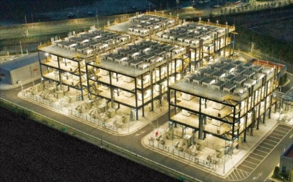 두산퓨얼셀의 세계 최초·최대 부생수소 연료전지발전소 '대산 수소연료전지발전소' 전경.  두산 제공