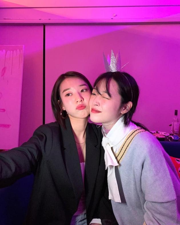 배우 김선아(왼쪽)와 故 설리/ 사진=김선아 인스타그램