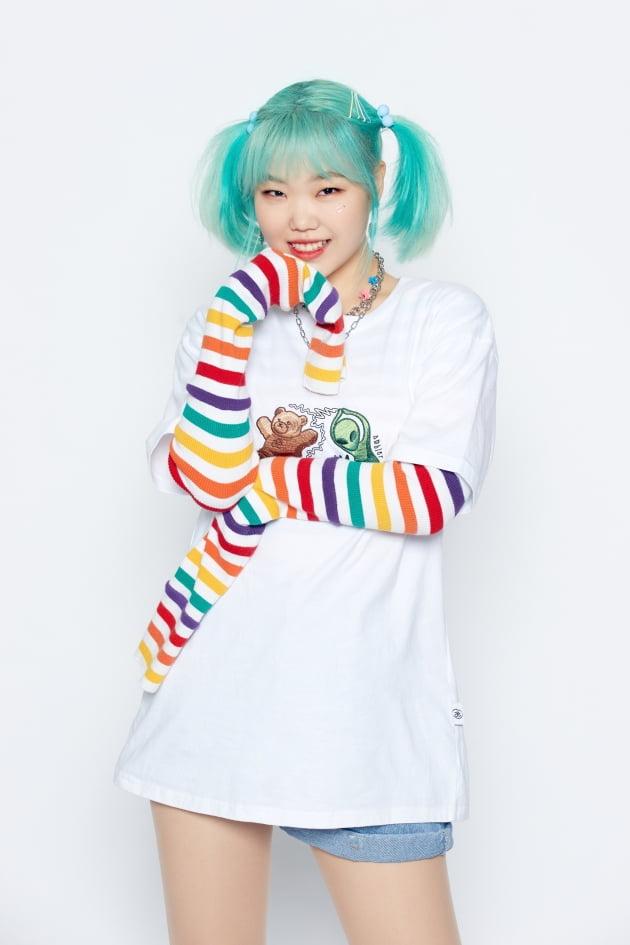16일 오후 6시 데뷔 6년 만에 솔로곡 'ALIEN'을 발표하는 AKMU의 이수현 / 사진제공=YG엔터테인먼트