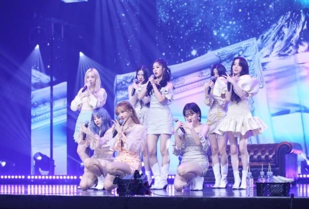 러블리즈, 첫 온라인 콘서트 성료 '눈물과 감동의 150분'