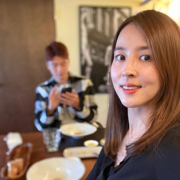 """한혜진, ♥기성용+딸과 함께한 생일파티…""""예쁜 케이크 감사합니다"""""""