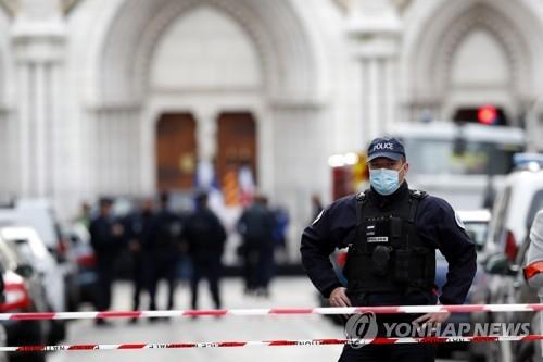 프랑스 성당서 30분간 광란의 살인극…서방·이슬람 갈등속 참사