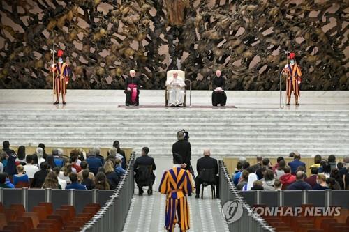 """교황, 카메룬 어린이 학살 비난…""""잔인하고 몰상식한 행위"""""""