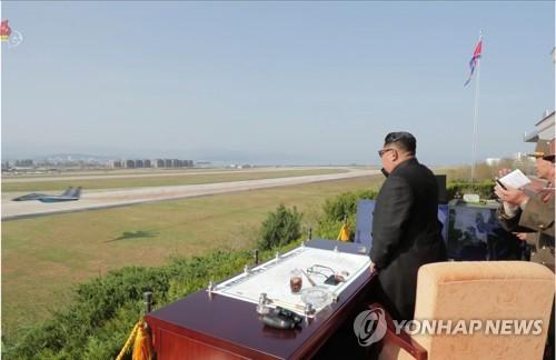"""""""북한, '선군' 벗고 경제발전 강조…군수산업, 민수전환 움직임"""""""