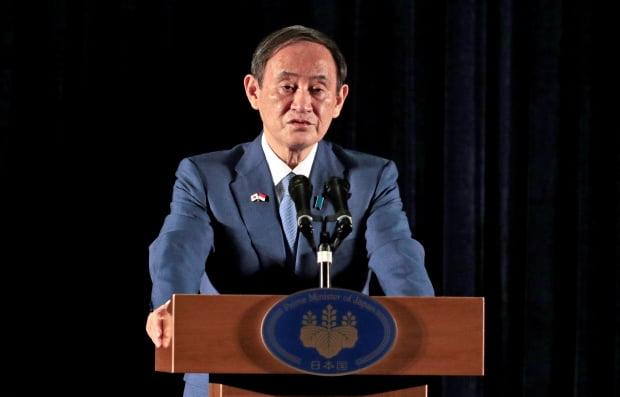인도네시아를 방문한 스가 요시히데 일본 총리가 지난 21일(현지시간) 수도 자카르타에서 기자회견을 하고 있다. /사진=연합뉴스